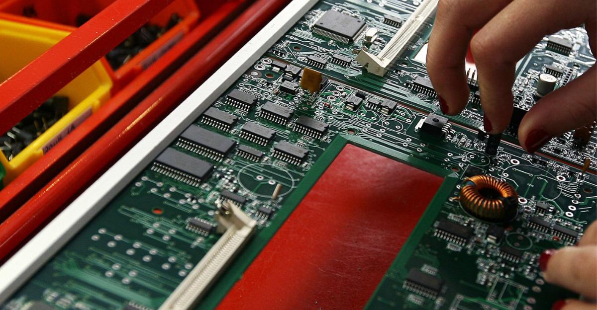 Chips | A pequena grande peça que está a afetar indústrias